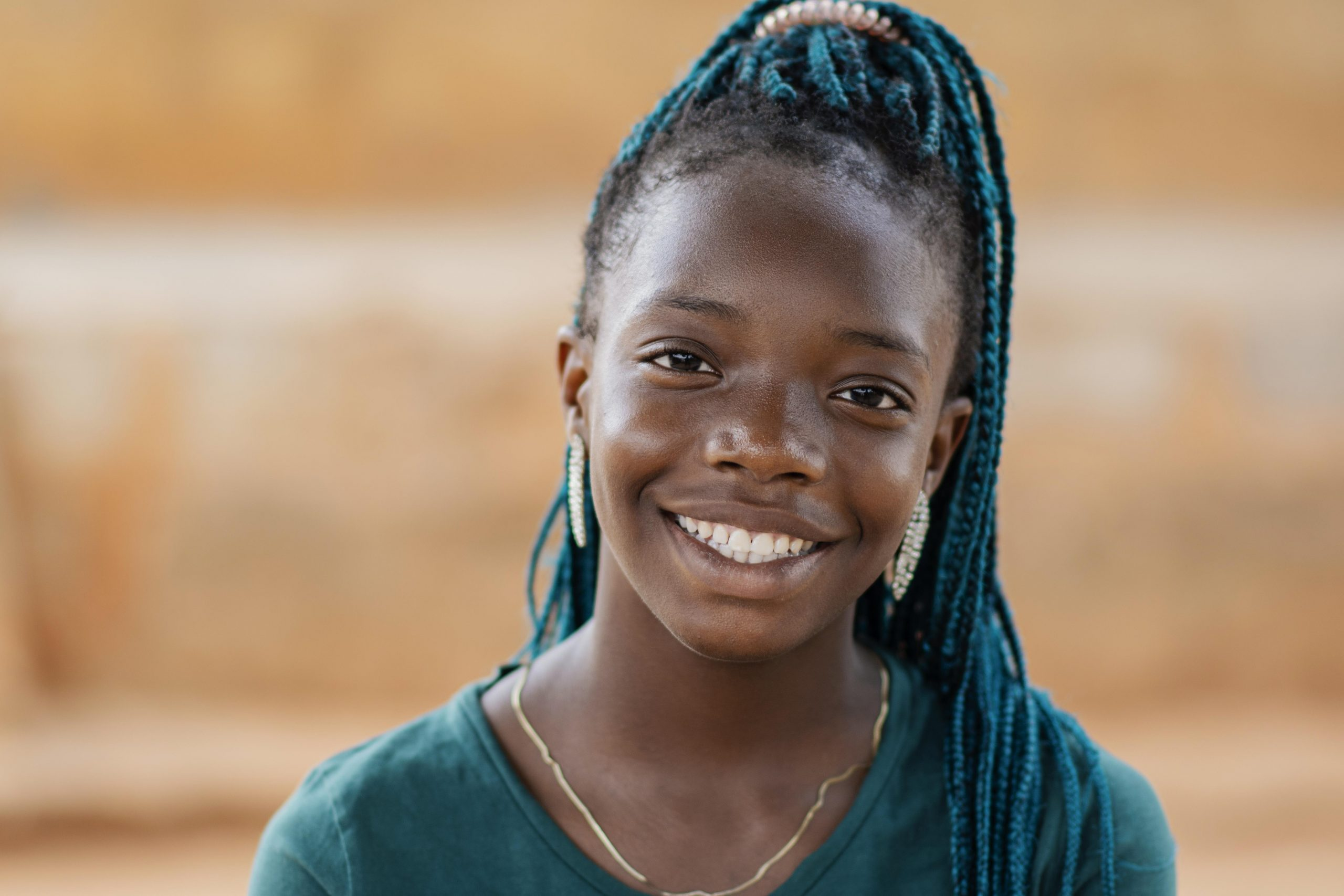 close-up-smiley-african-girl